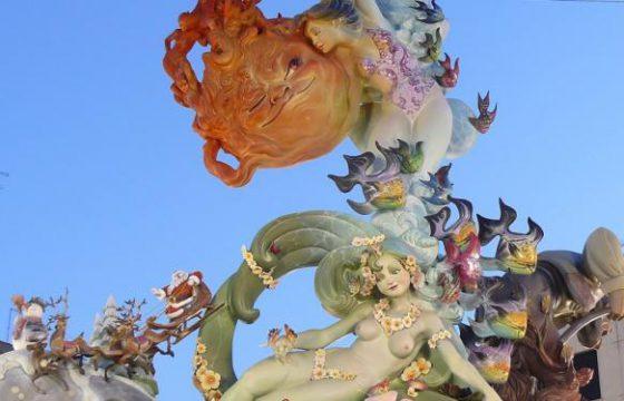 西班牙法雅节:烟花爆竹和美食