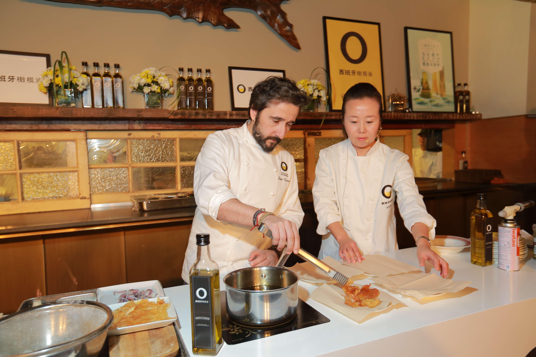 西班牙橄榄油在上海美好人生大使馆开启大门