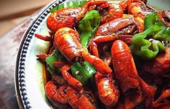 食用橄榄油烧麻辣小龙虾