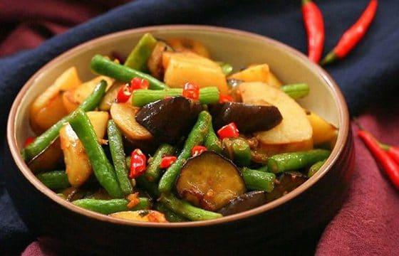 营养食谱:橄榄油素烧茄子