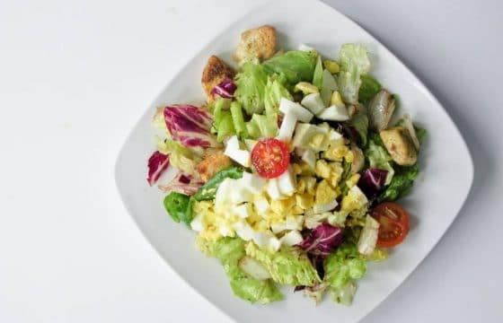 面包丁蔬菜沙拉