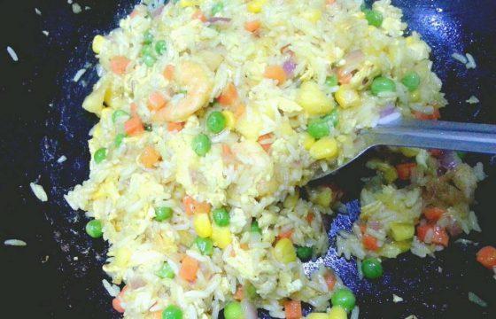 橄榄油咸肉玉米青豆蒸饭