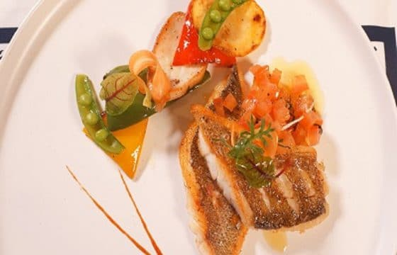 橄榄油香煎海鲈鱼