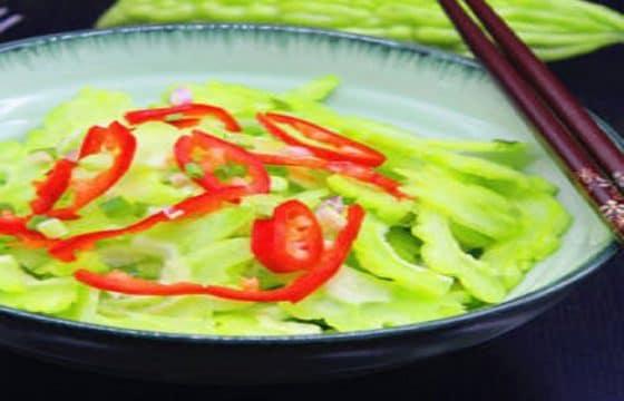 夏日清热减肥小菜:橄榄油凉拌苦瓜