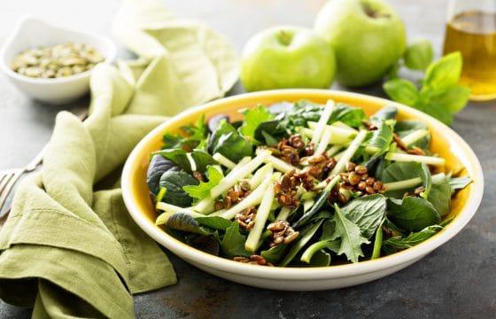 减肥食谱:4种简易水果蔬菜沙拉做法