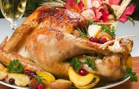 食用橄榄油烧圣诞火鸡