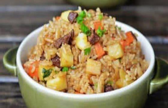 懒人食谱:教你用电饭锅制作美味橄榄油焖饭
