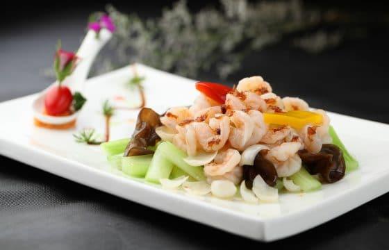 西班牙橄榄油健康私房菜——西芹腰果虾仁