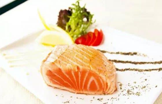 橄榄油煎三文鱼