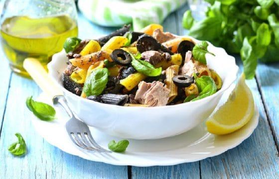 简易橄榄油食谱:金枪鱼沙拉