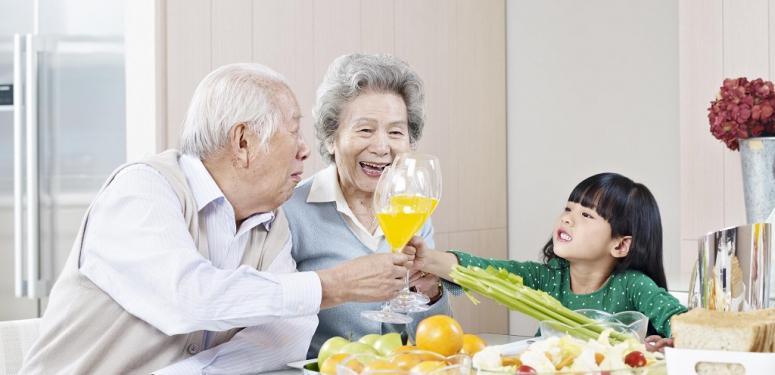 中老年人更应该经常食用特级初榨橄榄油